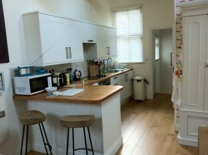 Cornish holiday cottages - The Studio, St Ives - kitchen